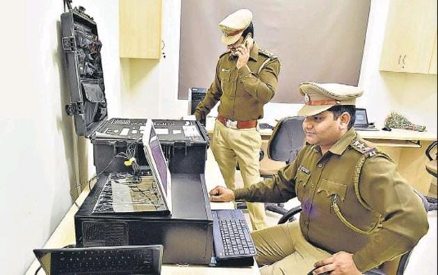 The Economic Offences Wing of the Gurugram Police has hired a coach to help the cops with English language.(HT File Photo)