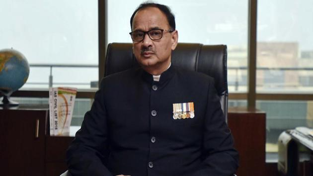 Alok Verma had approached the Supreme Court challenging the Centre's decision to divest him of his duties and sending him on leave following his feud with special CBI director Rakesh Asthana.(Ravi Choudhary/HT File Photo)