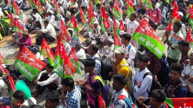 The march, which will be held on Wednesday and Thursday, will see 30,000 farmers and tribals take part in it.(Praful Gangurde/HT Photo)