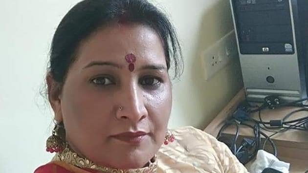 According to police officials, two men entered the apartment where the Bhatis reside and shot dead Ekta Brijesh Bhati, 37. Ekta ran a catering business along with her husband.(HT PHOTO)