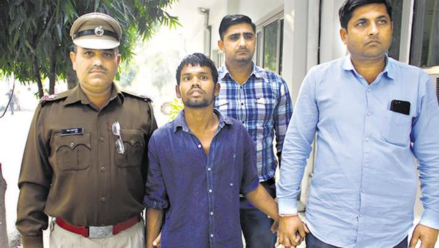 Police said the accused, Sunil Kumar, would first break the legs of the victims before attempting rape and then murder them.(Yogendra Kumar/HT Photo)