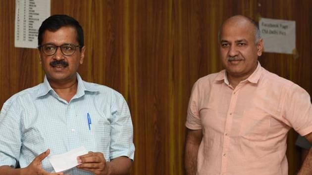 File photo of Delhi Chief Minister Arvind Kejriwal with deputy chief minister Manish Sisodia.(Sonu Mehta/HT File)