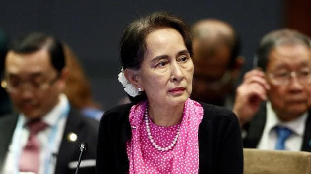 Myanmar's leader Aung San Suu Kyi attends the ASEAN-China Summit in Singapore, November 14, 2018(REUTERS)