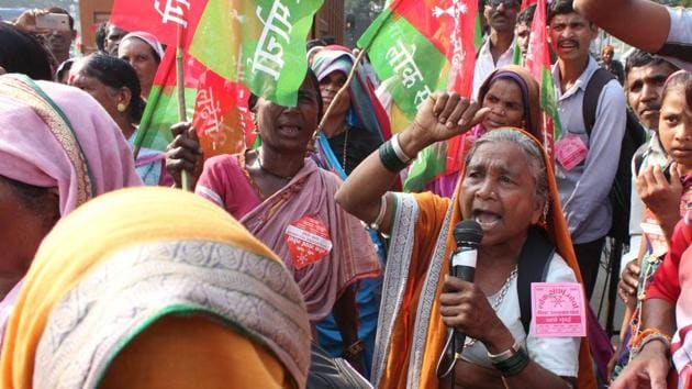 <p>Demanding the implementation of measures promised by the government, thousands of farmers and tribals started a two-day march towards Mumbai on Wednesday,...