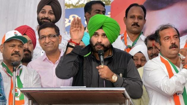 Navjot Singh Sidhu said he would seek permission from chief minister Amarinder Singh and the government of India to visit Pakistan.(PTI)