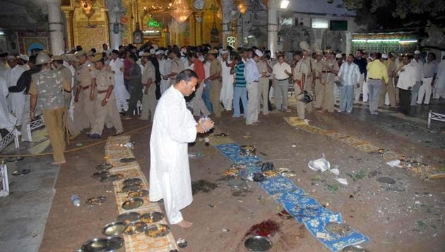 Khwaja Mohinuddin Chisti's dargah at Ajmer just after the blast in 2007.(HT Photo)