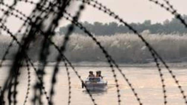 India has decided to fast-track three projects to arrest the unutilised water of its share under the bilateral Indus Waters Treaty with Pakistan.(HT File Photo)
