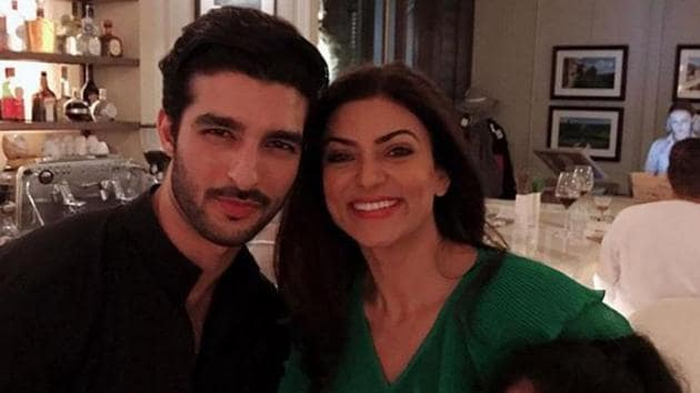 Sushmita Sen shared pictures with her family and boyfriend Rohman Shawl recently.(Instagram)