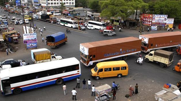 The Pune metropolitan region development authority released its Rs 54,601 crore comprehensive mobility plan for the region under its jurisdiction.(ABHIJIT BHATLEKAR/MINT)