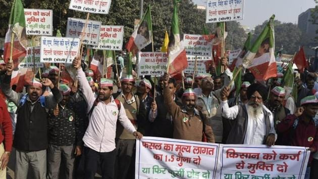 The demands of the farmers is passing of two bills seeking 'freedom from indebtedness' and the 'right to guaranteed remunerative minimum support price (MSP)', which were introduced in the Lok Sabha in August this year.(HT Photo/ Sanchit Khanna)