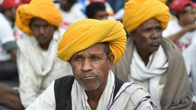 All India Kisan Sangharsh Coordination Committee (AIKSCC) members and farmers arrive for a two-day rally to press for their demands, including debt relief and remunerative prices for their produce, in New Delhi, Thursday, Nov. 29, 2018.(PTI)