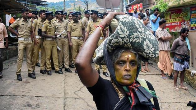 An elderly woman on her way to Sabarimala Temple. Image for representation.(PTI file photo)