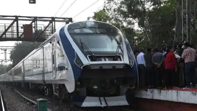 A view of the first Made-in-India engine-less train - named Train 18 at Safdarjung station, during its trial run in New Delhi, India, on November 14, 2018.(Mohd Zakir/HT Photo)