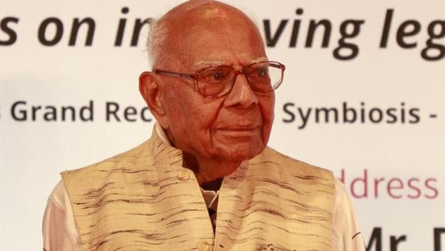 Ram Jethmalani and Bharatiya Janata Party on Thursday approached a Delhi court with a joint application to end a pending suit relating to his expulsion from the BJP.(HT File Photo)