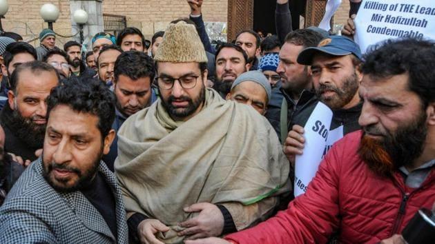 Mirwaiz Umar Farooq , chairman of the Hurriyat Conference, an umbrella organisation of separatist groups in Kashmir, and his colleagues met former Norwegian prime minister Kjell Magne Bondevik in the Valley last month.(PTI)