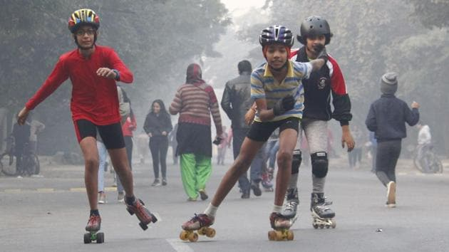 Pedestrians, cyclists and children took over the streets of Gurugram on Sunday to mark the fifth anniversary of Raahgiri Day. Transport experts say that the initiative helps reclaim public space that is lost to the excessive use of vehicles.(Yogendra Kumar/HT PHOTO)