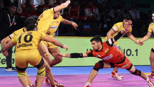 Bengaluru Bulls are now 13 points clear at the top of Zone B table.(Pro Kabaddi)