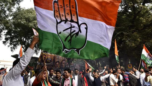 Congress supporters celebrate party's victory in assembly election outside AICC HQ in New Delhi, India, on Tuesday, December 11, 2018.(Sanjeev Verma /HT Photo)