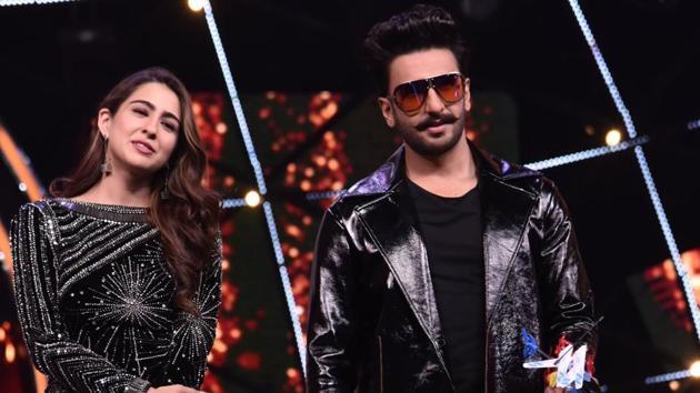 Sara Ali Khan and Ranveer Singh promote Simmba in Mumbai.(Viral Bhayani)