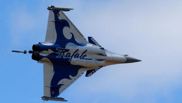 The Supreme Court on Friday dismissed the petition seeking a court-monitored Central Bureau of Investigation (CBI) probe into the purchase of 36 French-made Rafale fighter jets by the government for the Indian Air Force.(REUTERS)