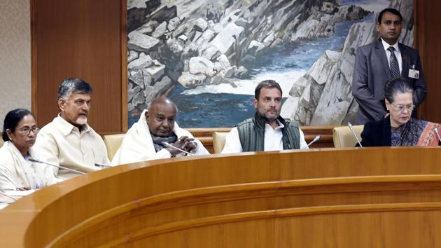 Congress President Rahul Gandhi, UPA chairperson Sonia Gandhi, former prime minister HD Deve Gowda, Andhra Pradesh Chief Minister N Chandrababu Naidu, West Bengal Chief Minister Mamata Banerjee attend a meeting of opposition parties at Parliament House Annexe in New Delhi, India, on Monday, December 10, 2018. (File Photo)(HT PHOTO)