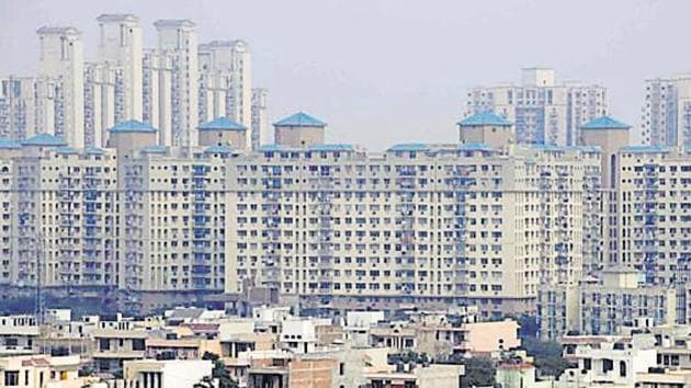 An association comprising 30 RWAs of Gurugram has been formed to take up issues relating to infrastructure and civic amenities with govt officials concerned.(HT File)