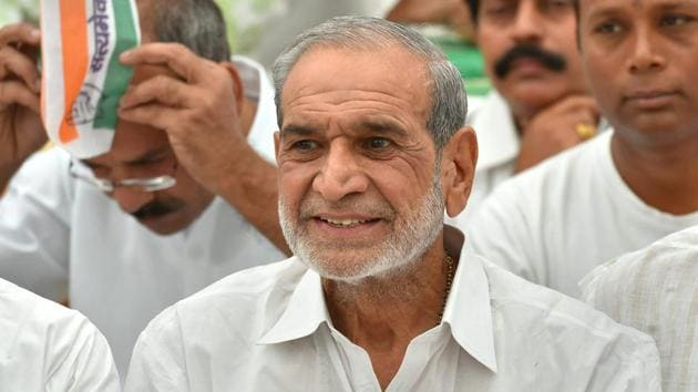 Congress leader Sajjan Kumar was convicted for criminal conspiracy, promoting enmity, acts against communal harmony in the 1984 anti-Sikh riots case and sentenced to life imprisonment.(PTI)
