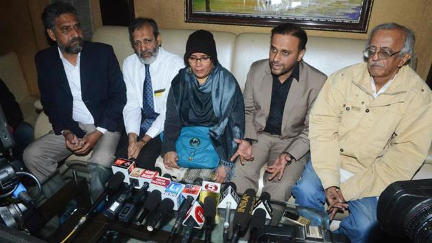 <p>Fauzia Ansari (C) along with her husband Nehal Ansari (2R) and elder son Dr Khalid Ansari (2L), speaks to the media ahead of the deportation of  her son...