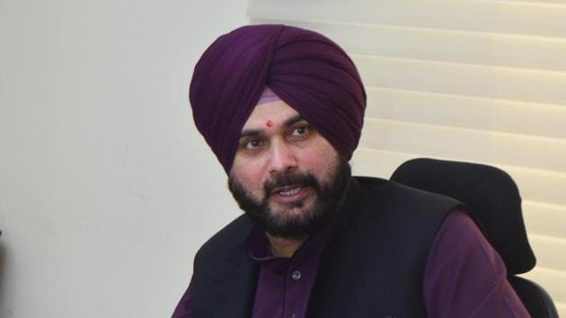 Punjab minister Navjot Singh Sidhu addressing a press conference in Amritsar on October 10.(HT File Photo)
