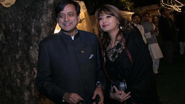Sunanda Pushkar Tharoor with her husband Shashi Tharoor.(Hindustan Times file photo)