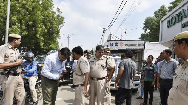 According to the police, a woman, later identified to be Ruhi Kumari (22), was behind the wheels, taking driving lessons from her driver who was seated beside her.(Representative Photo)