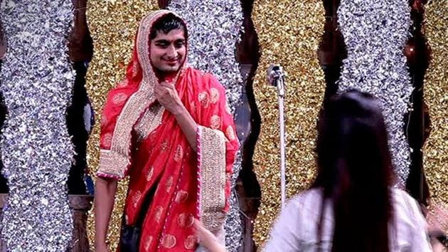 Bigg Boss 12: Deepak Thakur was told to dress up as a woman and entertain the guests.(Twitter)