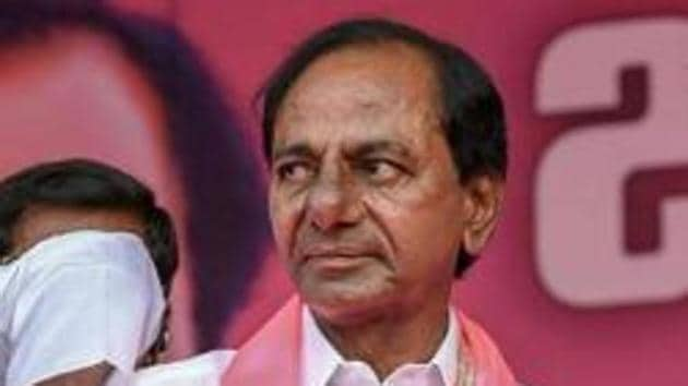 Nizamabad: TRS Supremo and Telangana Chief Minister K Chandrasekhar Rao with party leaders at a public meeting in Nizamabad, Wednesday, Oct 3, 2018. (PTI Photo) (PTI10_3_2018_000143A)(PTI)