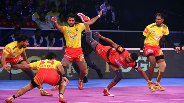 Bengaluru Bulls to a dominating 41-29 win over Gujarat Fortunegiants in the first qualifier.(PKL)
