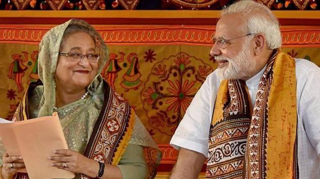 Prime Minister Narendra Modi with Sheikh Hasina.(PTI file photo)