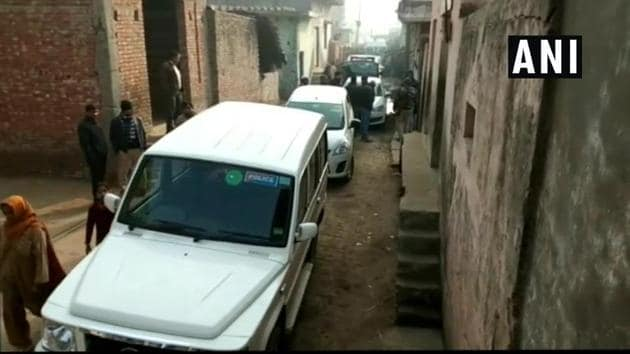 The National Investigation Agency (NIA) is carrying out searches at 5 locations in Amroha. The searches come a week after the NIA busted an ISIS-inspired terror module in the area and arrested 10 persons.(ANI)