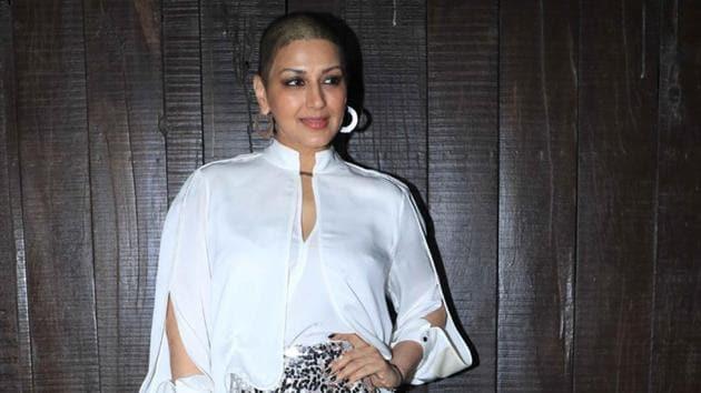 Sonali Bendre at her 44th birthday bash in Mumbai on Monday night.(Viral Bhayani/Instagram)