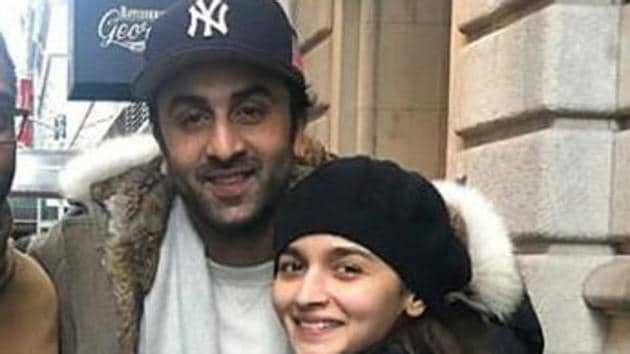 Ranbir Kapoor and Alia Bhatt pose for a picture in New York.(Twitter)