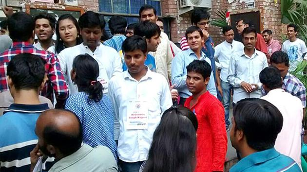 JNU, which is in the process of rolling out a biometric attendance system despite protest from students and teachers, will introduce a smart card for its students and staff to mark attendance.(HT file)