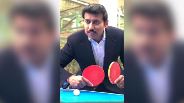 In his message, he asks people to share their own 'five minutes more' stories and videos using #5MinuteAur and #KheloIndia.(Rajyavardhan Rathore/Twitter)