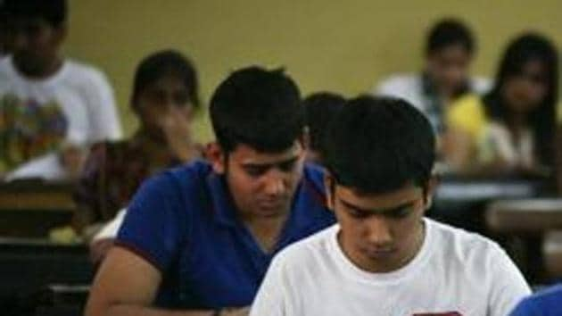 JEE main 2019 Analysis: On the whole, Physics was easy to moderate; Maths was lengthy which made it difficult for the students to complete the section, whereas Chemistry was relatively easy.(HT file)
