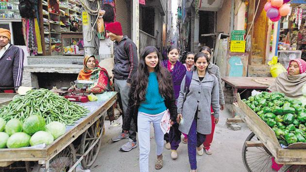 Young girls from Delhi's Madanpur Khadar colony have taken digital initiative to reclaim public places(Biplov Bhuyan/HT Photo)