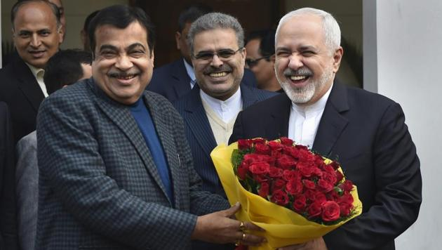 Union minister Nitin Gadkari welcomes Iranian Foreign Affairs Minister Mohammad Javad Zarif at his residence, in New Delhi, Tuesday, Jan. 8, 2019.(PTI file photo)