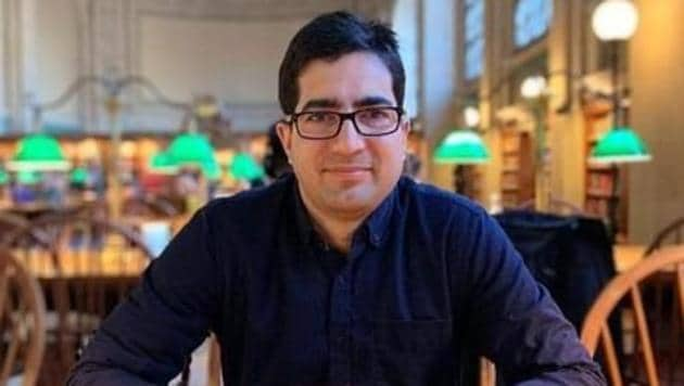 """Kashmiri IAS officer Shah Faesal, who quit IAS to protest against """"unabated killings"""" in Jammu and Kashmir, sought ideas on Thursday, especially from youths, to decide his future course in politics.(Twitter/ Shah Faesal)"""