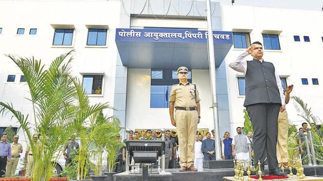 CM Devendra Fadnavis inaugurated the police commissioner's office at Chinchwad on Wednesday.(HT PHOTO)