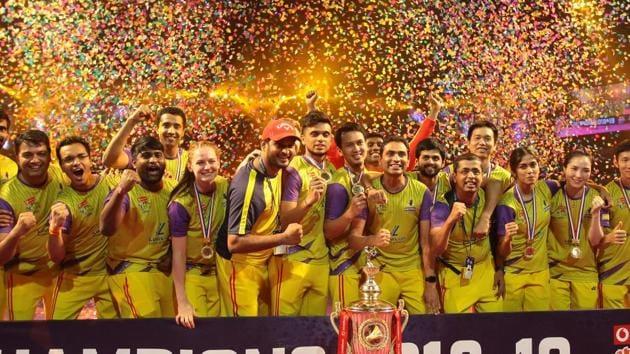 Bengaluru Raptors' players celebrate after winning the PBL 2019 trophy.