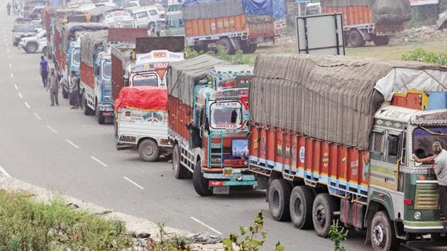 In a bid to enhance logistical efficiency on India's highway network, the transport ministry is planning a country wide network of 35 multi-modal logistics parks which will account for 50% of road freight(Nitin Kanotra /HT File Photo)