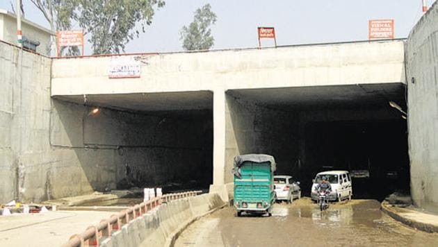 The MCD had constructed an underpass between Mundka and Rani Khera in 2013 to ease traffic on main road in west Delhi.(HT File)