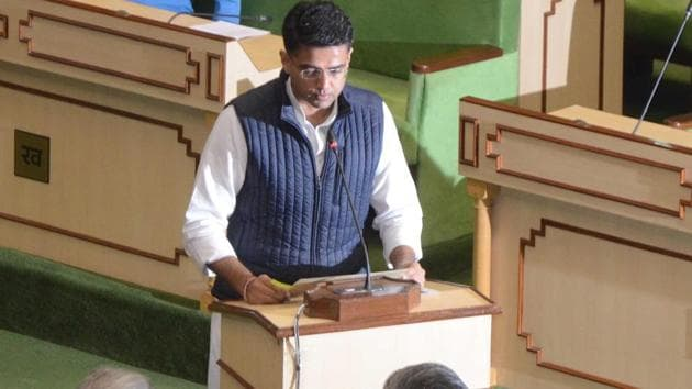 Rajasthan's deputy CM Sachin PIlot takes oath at state assembly as the first session began on Tuesday, January 15, 2019.(HT Photo)