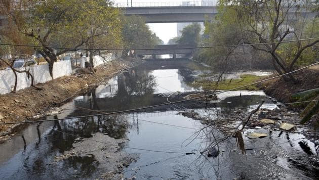 Polluted Vaishali drain in Ghaziabad. If we dio not confront air and water quality as matters of public health and economic productivity, our cities will not be liveable and will lose out on investment.(Sakib Ali / Hindustan Times)